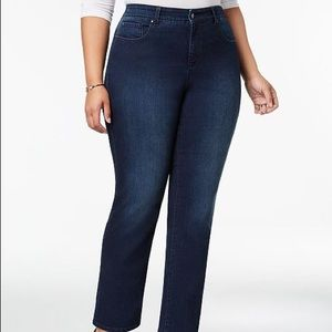 Charter Club Lexington Straight Leg Jean 18W Short